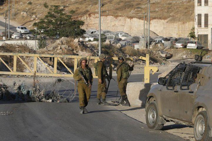 """حاجز """"مفاجئ"""" لقوات الاحتلال على عطارة"""
