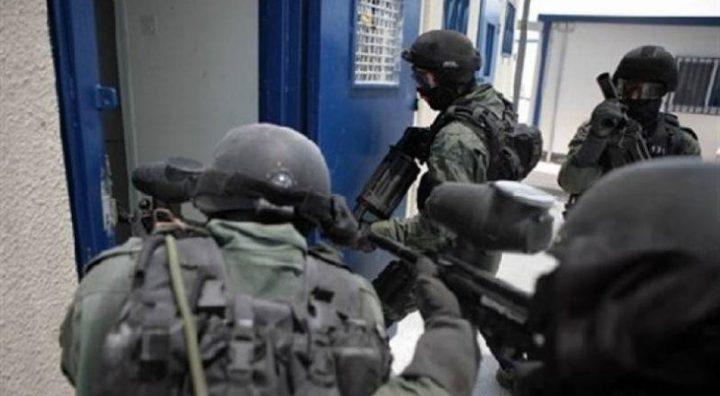 أسرى عتصيون ومجدو يسردون تفاصيل الاعتداء عليهم خلال اعتقالهم