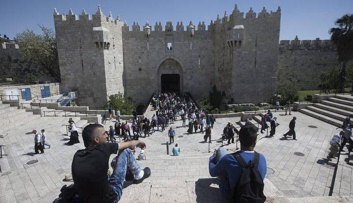 """الاحتلال يعتقل إمام مسجد بيت حنينا من """"باب العامود"""""""