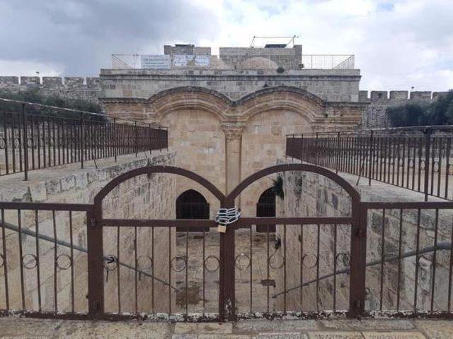 """دعوات لإقامة الصلوات أمام """"باب الرحمة"""" في الأقصى"""