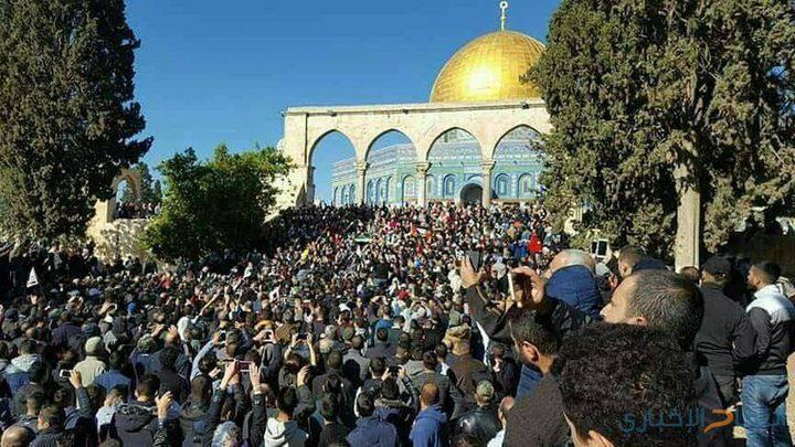 الرئاسة تدين إجراءات الاحتلال في المسجد الأقصى وعلى بواباته