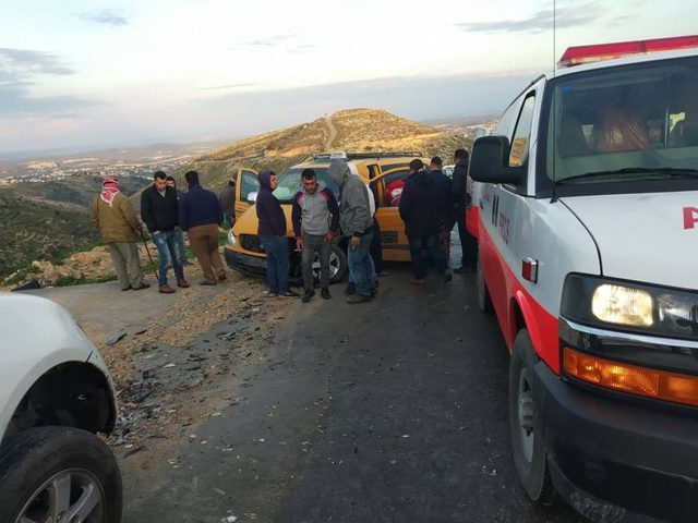 5 إصابات بحادث سير غرب دورا
