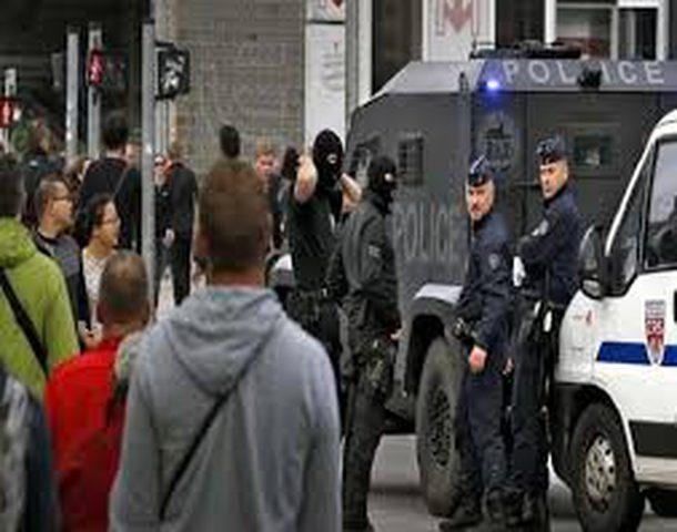 فرنسا.. هجوم مسلح يسفر عن إصابة شخصين ومقتل المنفذ