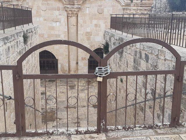"""الاحتلال يحوّل """"باب الرحمة"""" إلى ثكنة عسكرية"""