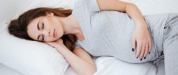 لماذا تحتاج الحامل الى النوم؟