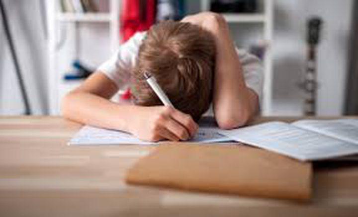 دراسة : جيل اليوم غارقون في البحث عن الكمال