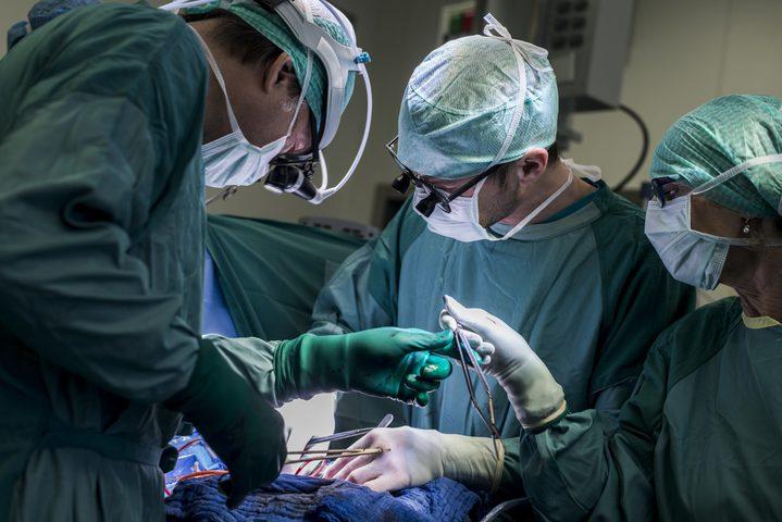 النساء أكثر عرضة لخطر الإصابة بسكتة دماغية بعد جراحة القلب