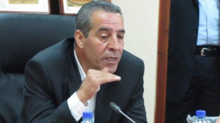 """حسين الشيخ: القيادة رفضت استلام أموال """"المقاصة"""" منقوصة"""