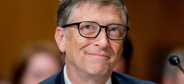 """بيل جيتس يستثمر 10 ملايين دولار لتطوير """"الروبوتات الجراحة"""""""