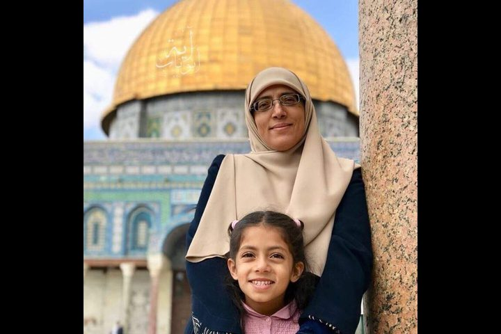 الاحتلال يعتقل ناشطة مقدسية ويستدعي أخرى للتحقيق
