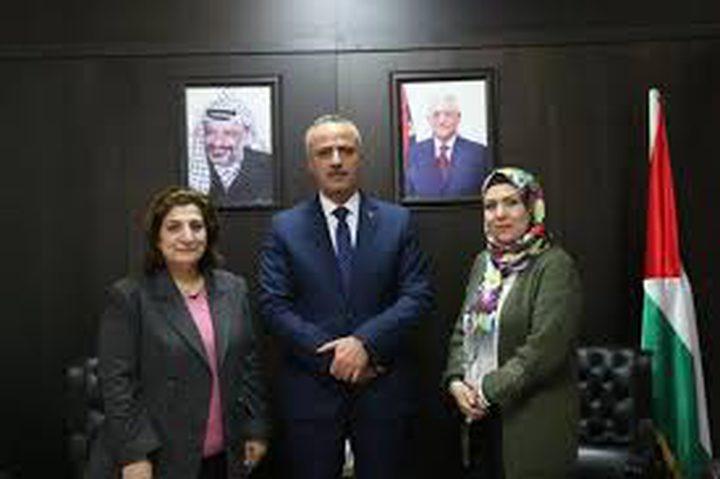 رئيسة ديوان الفتوى والتشريع تبحث مع وزير العدل تحديث التشريعات
