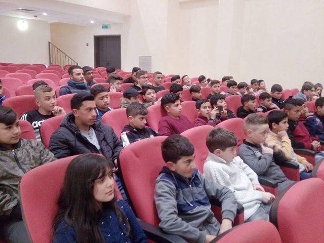 50 طالبا من محافظة الخليل يشاركون في معسكر تعايش