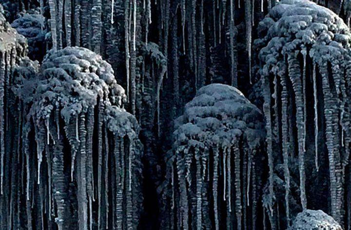 ثلوج سيبيريا الروسية تتحول للون الأسود!