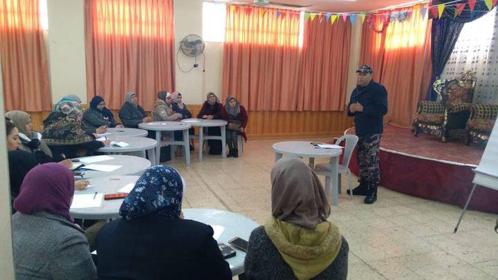 دفاع مدني القدس يفتتح دورة تدريبية لمربيات الحضانات شرق المحافظة