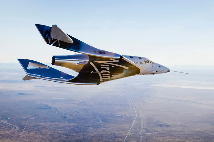 رواد Virgin Galactic يصفون تجربتهم في أول رحلة لحافة الفضاء