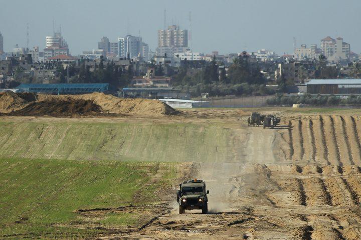 الاحتلال يعتقل شابين قرب السياج الحدودي شمال غزة
