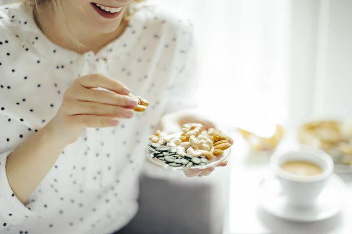 دراسة: تناول المكسرات قد يقلل من خطر الإصابة بأمراض القلب