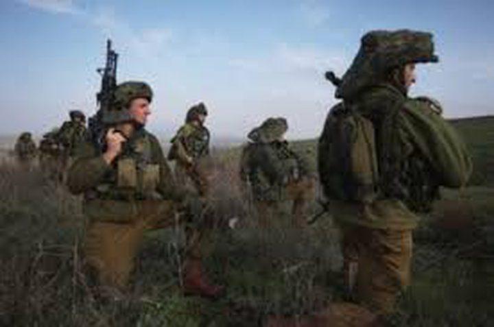 قوات الاحتلال تهدد أهالي بلدة حزما