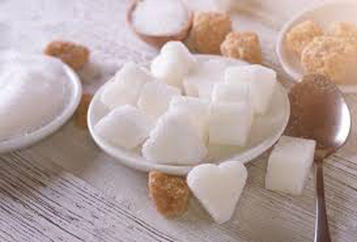 ما هي كمية السكر المناسبة لطفلك؟