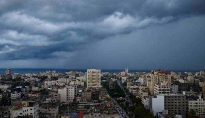 منخفض جوي عميق يؤثر على فلسطين غدا الأربعاء ويستمر حتى الجمعة