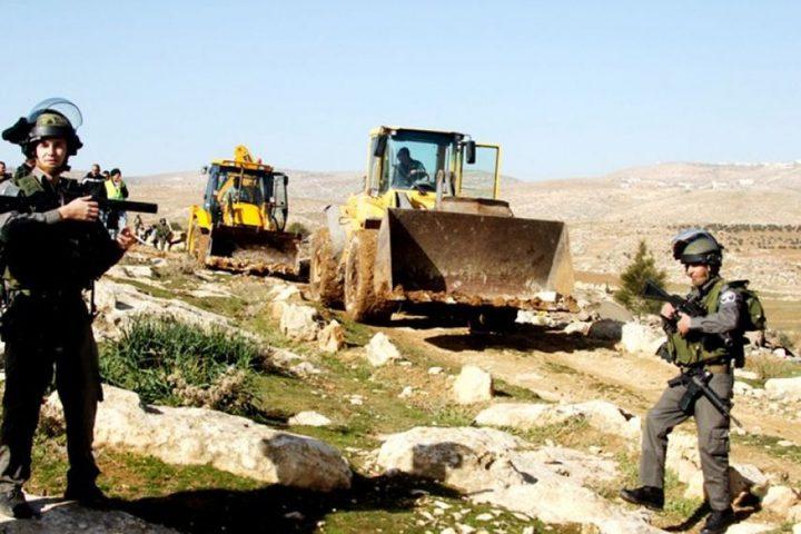 الاحتلال يسلم اخطارات وقف بناء في رافات