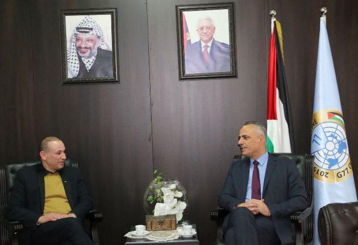 أبو دياك وعميد كلية القانون بجامعة النجاح يبحثان التعاون المشترك