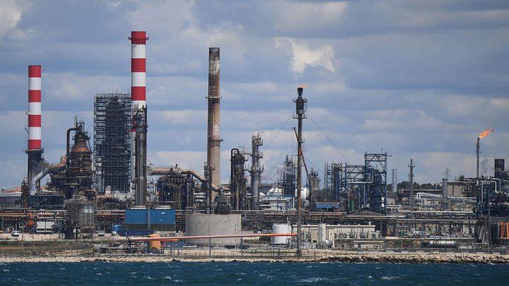 انخفاض مخزونات النفط الأمريكية