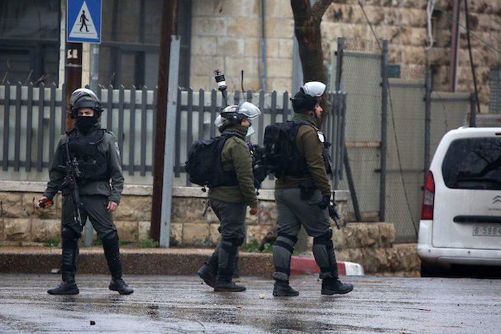 شرطة الحدود الإسرائيلية تتخذ موقفا خلال غارة ، في مدينة رام الله بالضفة الغربية ، في 27 فبراير ، 2019.