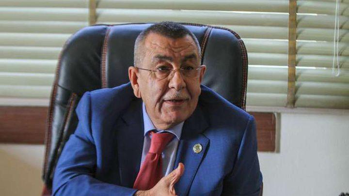 السفير أبو علي يطلع مسؤولا أمميا على معاناة العمال في فلسطين