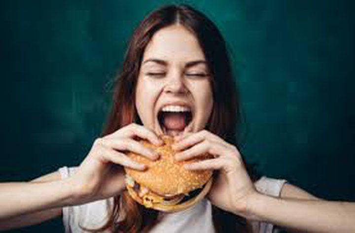 كيف تكون العادات الغذائية الخاطئة سببا في الجوع؟