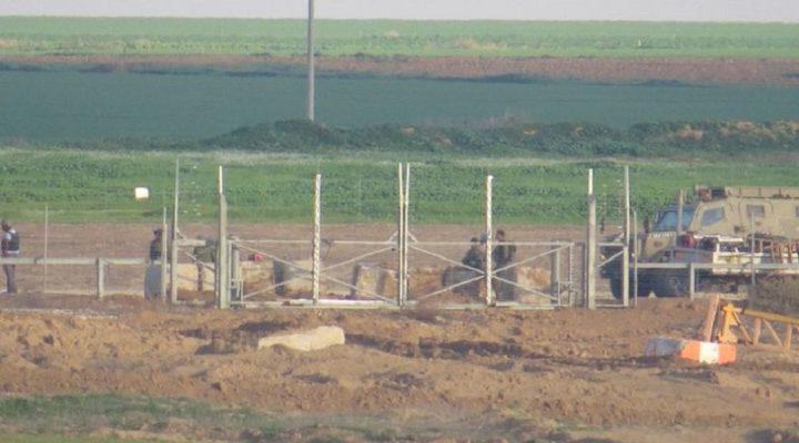 الاحتلال يعتقل مواطنيين شرق البريج