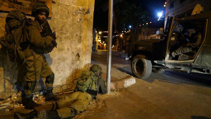 """اصابة شاب بعيار """"مطاطي"""" خلال مواجهات مع الاحتلال في مخيم بلاطة"""