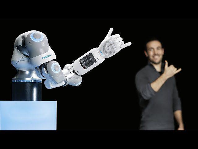 روبوت جديد يمكنه تحريك أصابعه بمرونة مثل البشر