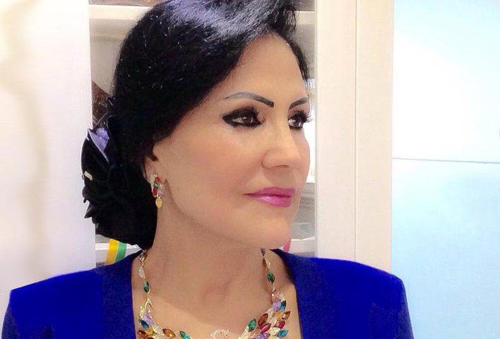 الشاعرة العراقية وفاء عبد الرزاق تحوز جائزة الأوسكار