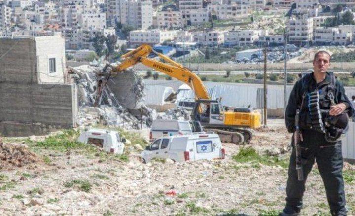 الاحتلال يخطر بهدم منزل مأهول شرق بيت لحم