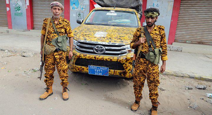 """القوات اليمنية و""""أنصار الله""""تتبادلان الاتهامات بقصف الحديدة"""