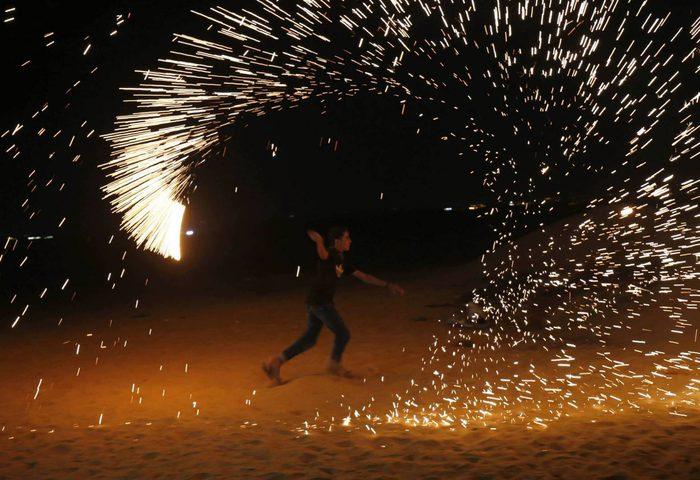 القناة 13 العبرية: قوات الاحتلال بدأت تغيير سياستها تجاه غزة