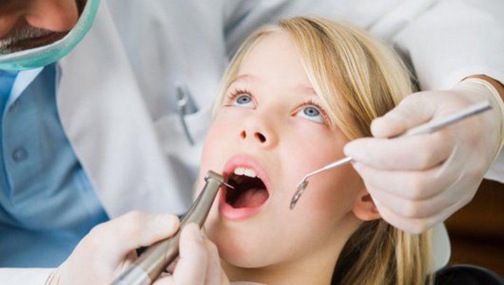 هل يمكن أن يؤثر التخدير على نمو الأسنان لدى الأطفال؟