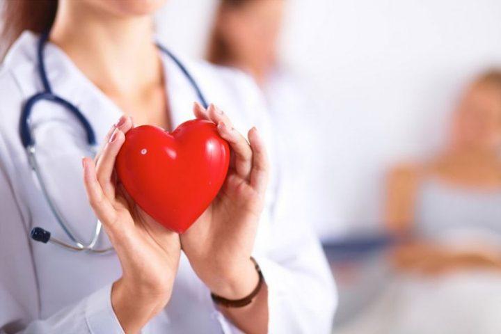 للنساء.. ما هي أبرز أعراض الإصابة بالأمراض القلبية ؟