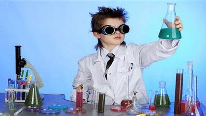 طفل بريطاني يحول غرفته إلى مفاعل نووي !