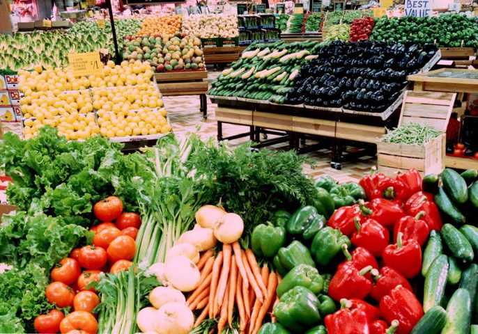 حماية المستهلك تحذر من ارتفاع أسعار الفواكه والخضار الموسمية