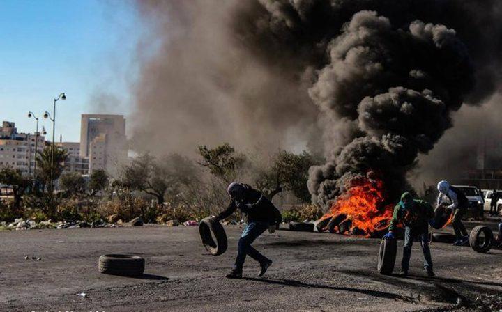 اندلاع مواجهات مع الاحتلال بقرية بيت سيرا والمدخل الشمالي للبيرة