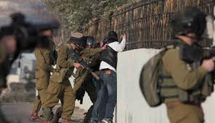 سلطات الاحتلال تعيد اعتقال اسيرا محررا قضى 17 عاما في السجون