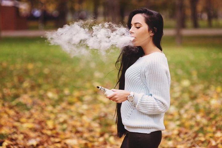 هل تؤثر السجائر الإلكترونية على الرئتين