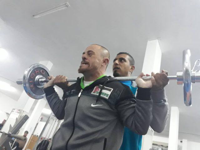 """رغم متلازمة """"دوان"""" سفير فلسطين في بطولة العالم للأولمبياد"""