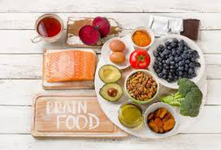 4 أطعمة فعالة لتحسين صحّة الدماغ