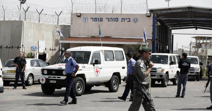 محامو الأسرى يضربون عن المثول أمام محاكم الاحتلال