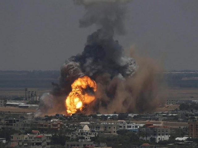 الاحتلال يقصف 3 مواقع في غزة