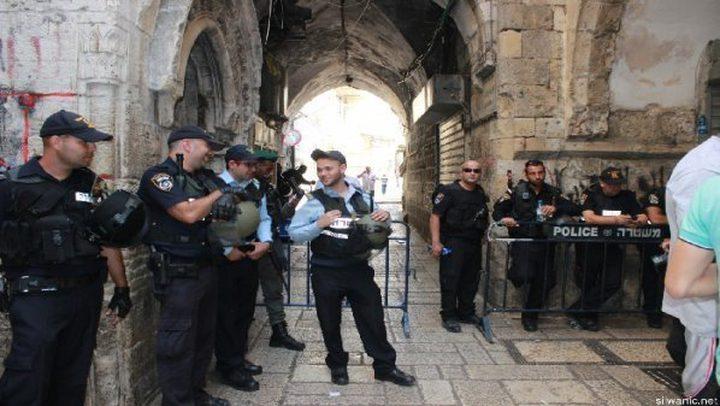 الاحتلال يعتقل حارسا من الأقصى