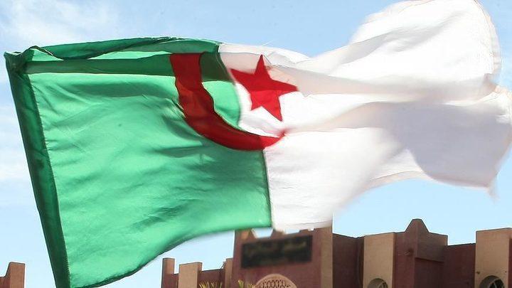 أقدم حزب معارض بالجزائر يعلن سحب نوابه من البرلمان